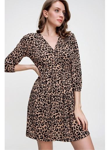 Butikburuç Kadın Leopar Desen Kruvaze Yaka Kısa Elbise Leopar